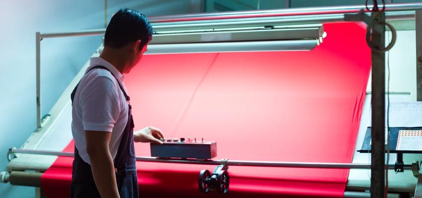 Visión artificial aplicada al sector textil: la calificación de la solidez del color